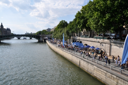 Paris-Plage,_the_beach_in_Paris_on_the_Seine,_24_July_2010