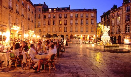 restaurant_by_night_bordeaux