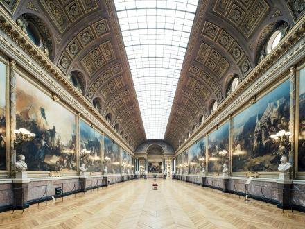 112700-10592791-Galerie_des_Batailles_Chateau_de_Versailles_1_2014OK_v2_jpg