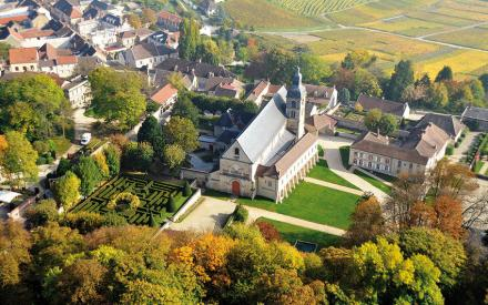 A abadia de Hautvillers visto do ceu photo_fenouil
