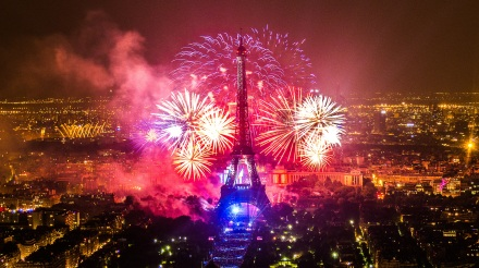 Feu-artifice-Paris-Tour-Eiffel-2013-1