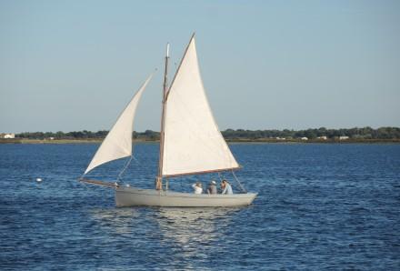 Passeio de veleiro
