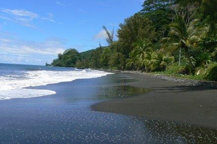 Ponto Venus, as areias negras da Ilha de Tahiti
