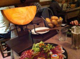 Raclette do restaurante o Petit Savoyard