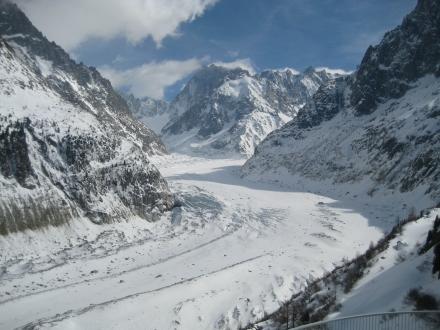 "A geleira ""Mer de Glace"" perto de Chamonix"