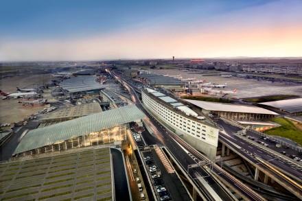 Aeroporto Charles de Gaulle esperando Norwegian para Julho
