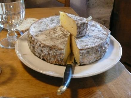 Degustação de queijo em Saint Nectaire na Auvergne