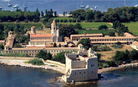 Mosteiro da Ilha Saint Honorat