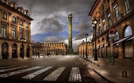 A praça Vendôme e sua coluna comemorando as vitorias do Napoleão