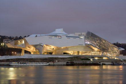 No encontro dos Rios, o Musée des Confluences