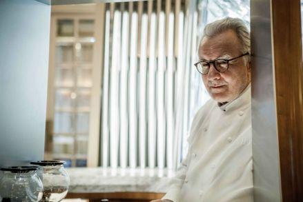 Alain Ducasse no seu restaurante de Versalhes