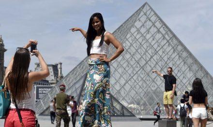 Menos turistas na França em 2016, mesmo se a liderança continuará
