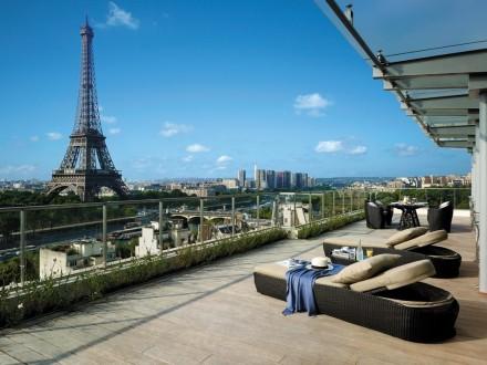 Os terraços do Palace Shangri La em Paris