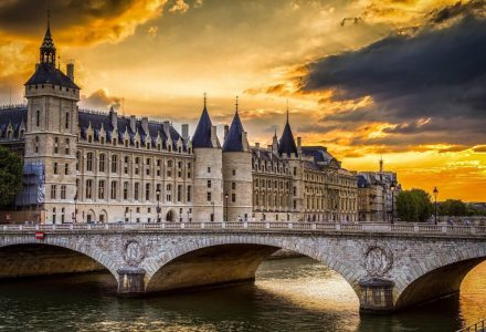 "A ""Conciergerie"" no por do sol"