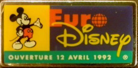 O pin da inauguração da EuroDisney
